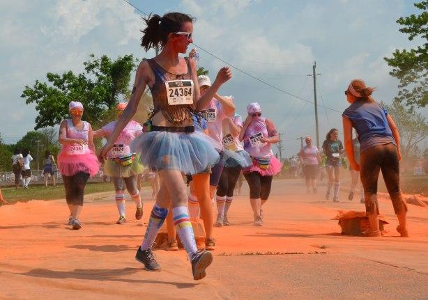 women wearing tutus in color me rad run
