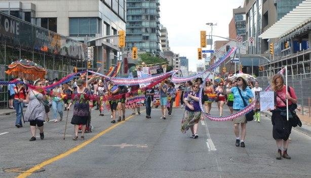 blog_crochet_banner_ribbon_parade