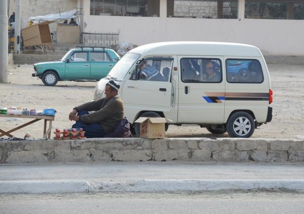 nurata_van_sellers_roadside
