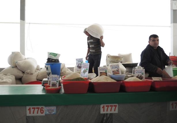 tash_market_rice_vendor
