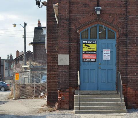 blog_blue_church_door_1913