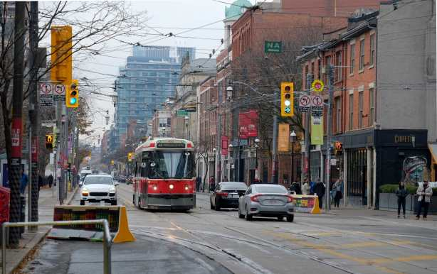 traffic and street cars on King Street