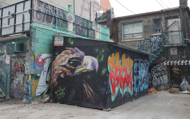 street art painting of an eagle's head