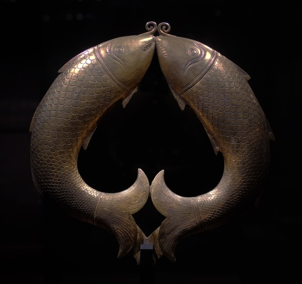 on display at the Aga Khan Museum, two fish joined in a circle, a standard, for the top of a pole