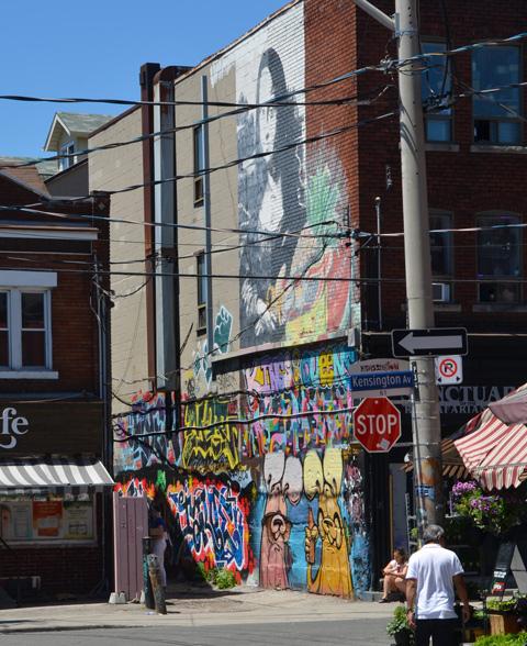 murals in Kensington, Mona Lisa with fruit, and Poser bunnies,