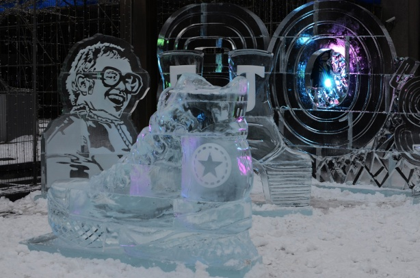 ice sculpture portrait of Elton John