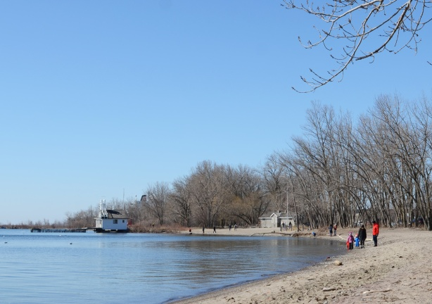 cherry beach with not many people and cherry lifeguard station