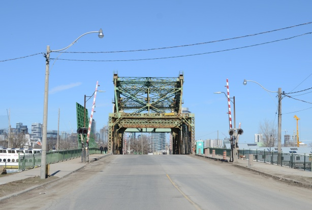 Cherry street bridge over the Keating Channel, green metal bridge