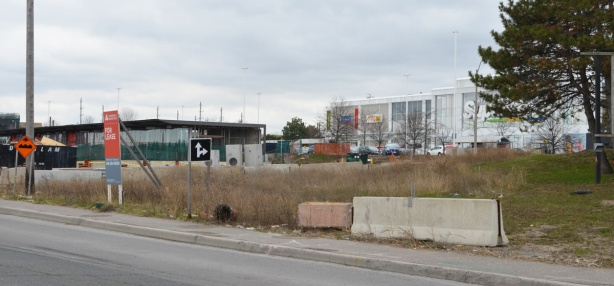 vacant lot on Eglinton Ave by Great Canadian Superstore at Don Mills, edge of Crosstown construction site