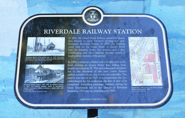 historic plaque for Riverdale Railway station
