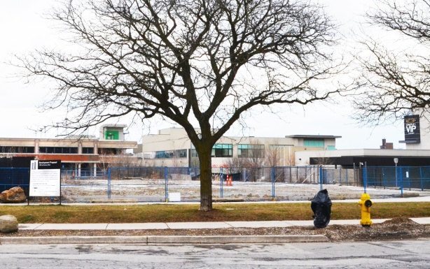 now vacant lot beside Shops of Don Mills where old post office building was demolished