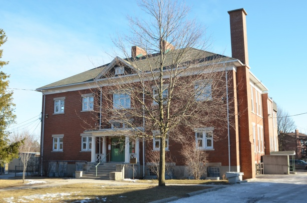 Agincourt Public school, two storey square brick building built in the early 1900s as a high school